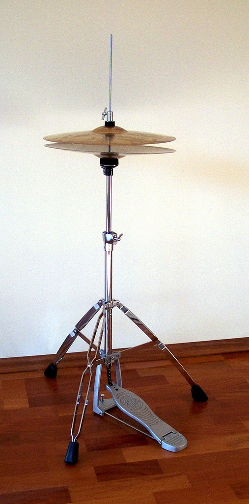 drummer who is credited with shifting time-keeping to the ride cymbal.-4