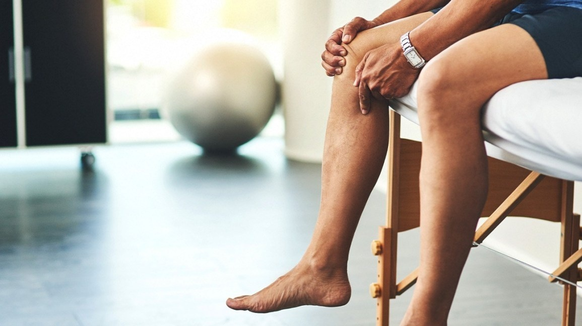identify the correct main term for a patient who is diagnosed with joint pain-0