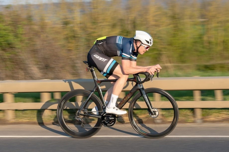 what is the average speed of a cyclist who covers -15 miles in 30 min?-1