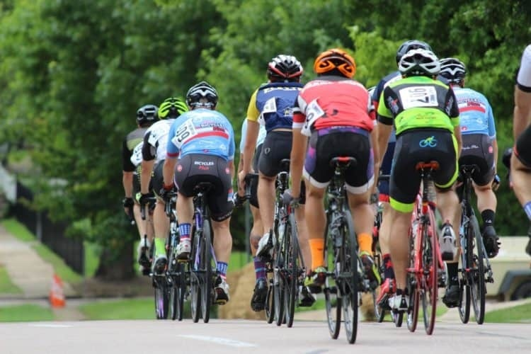 what is the average speed of a cyclist who covers -15 miles in 30 min?-2