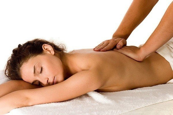 what is the name of a person who gives massages-3