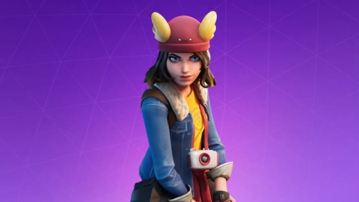 how old is lynx in fortnite-8