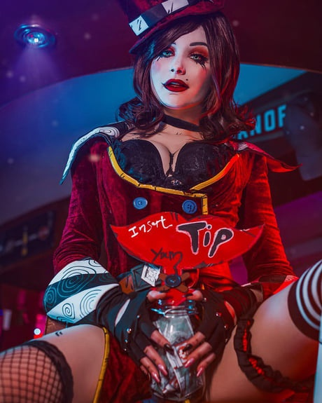 how old is moxxi-2